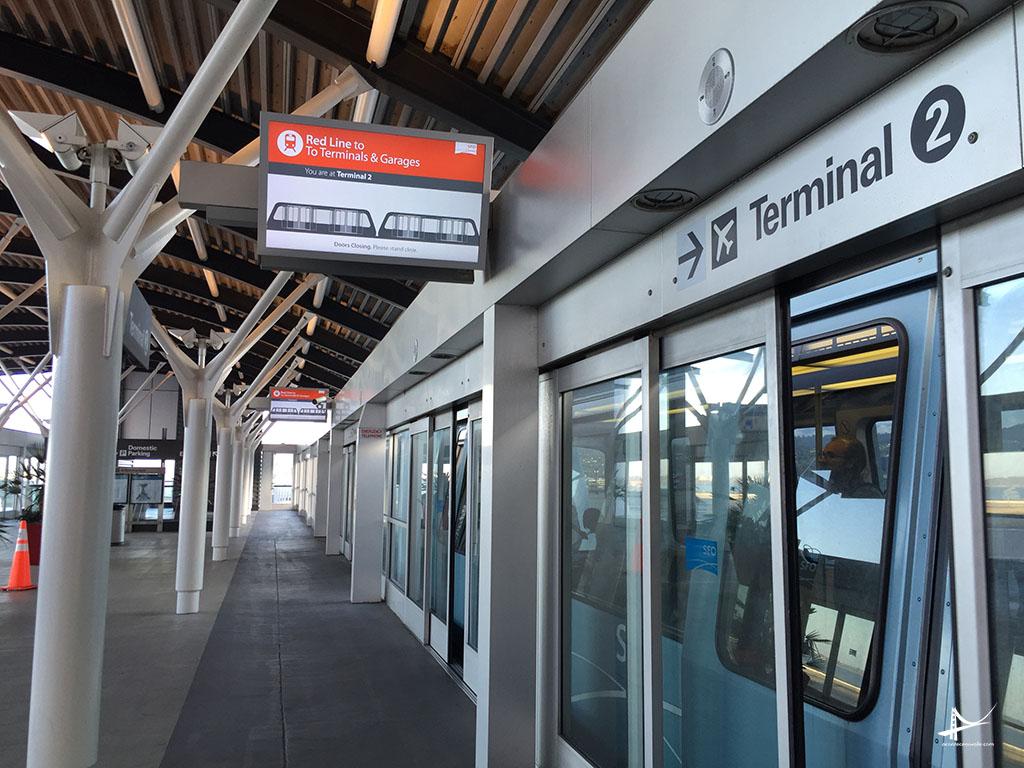 AirTrain no aeroporto de San Francisco