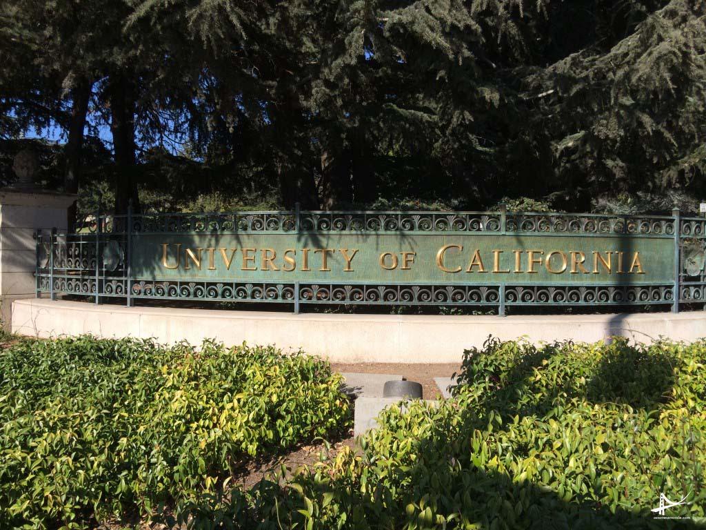 Portao da Universidade da California