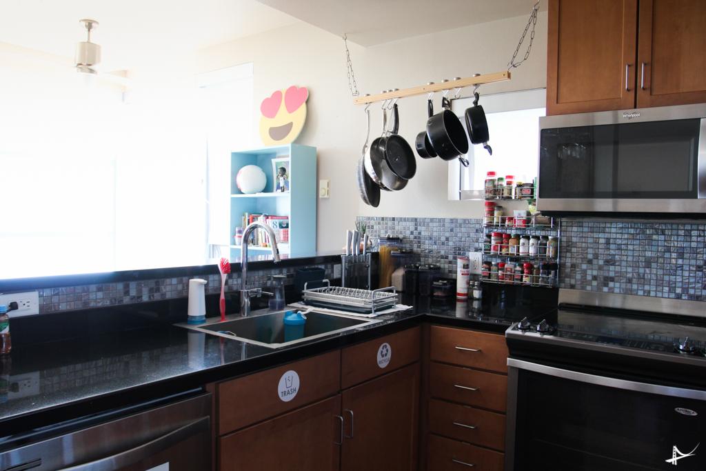Cozinha de um dos apartamentos do Haas Living