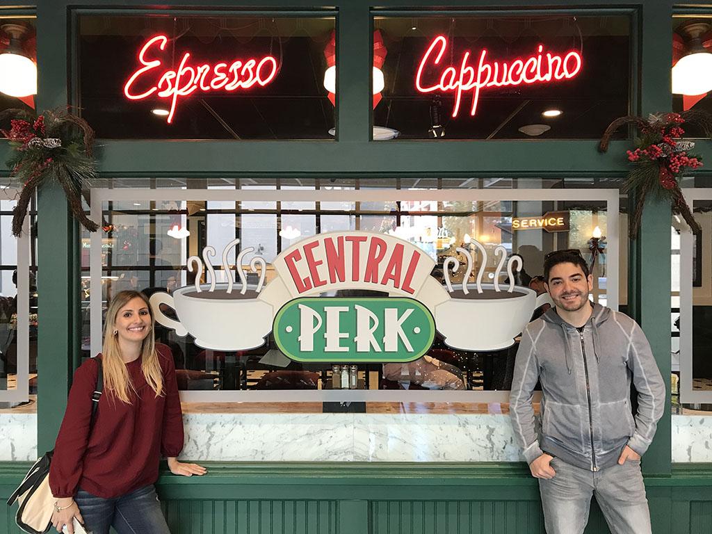 Café da série dos Friends, o Central Perk.