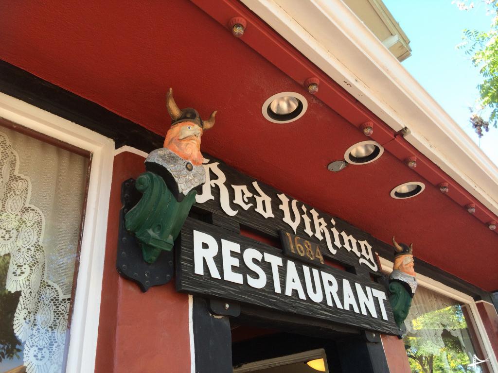 Foto de um restaurante Viking no centro de Solvang