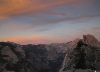 Half Dome no por do sol
