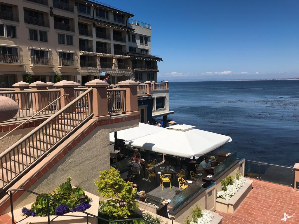 Restaurante Schooner Costal Kitchen & Bar no Monterey Plaza