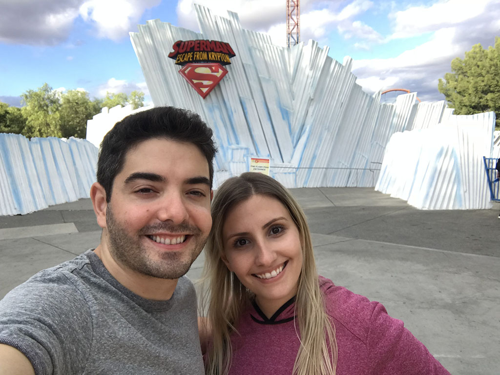Lari e Ivan no Six Flags de Los Angeles