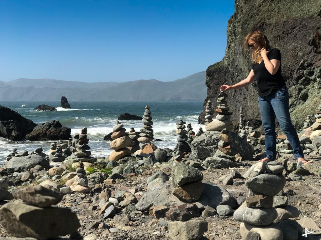 Mile Rock Beach - a praia com pedras empilhadas de San Francisco