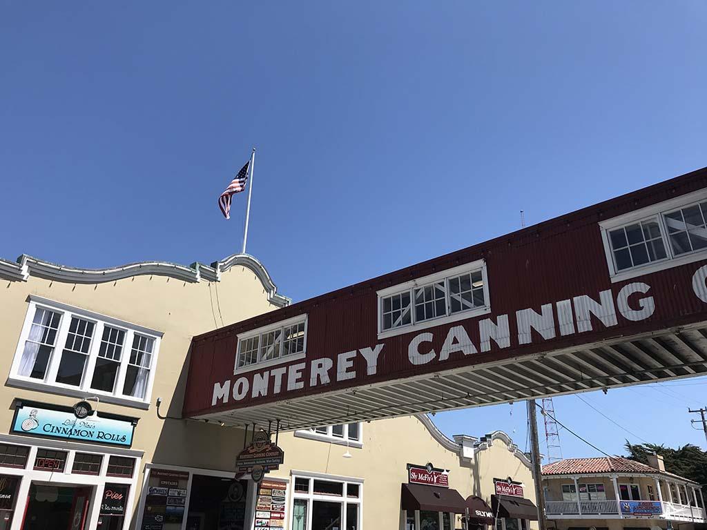 Fabricas de sardinha em Monterey