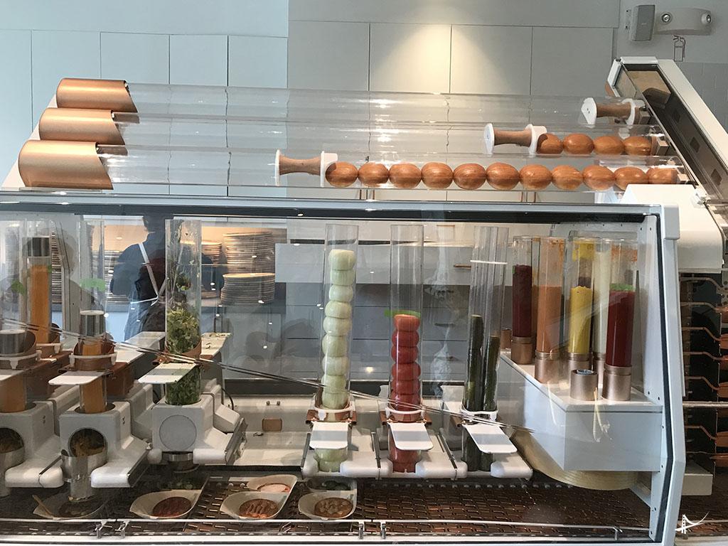 Robo que faz hamburguer em San Francisco