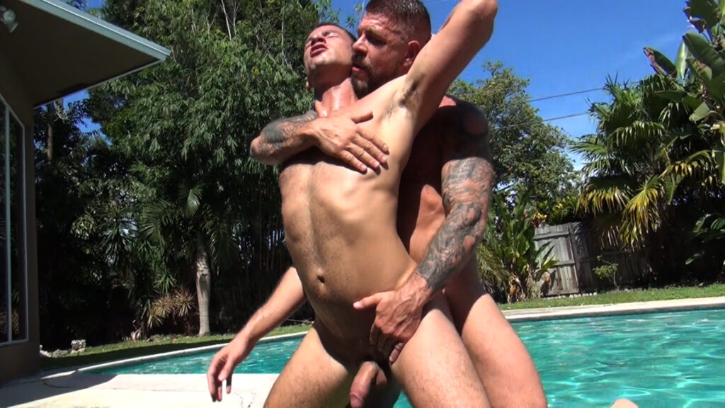 Rocco Steele barebacks Owen Powers outdoor 03