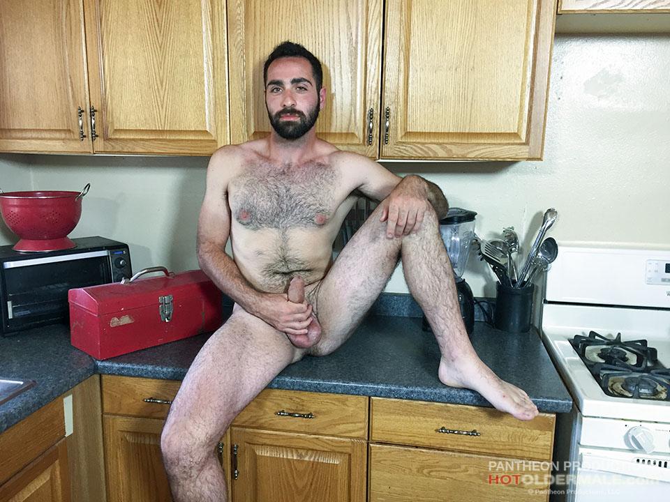 Anthony Naxos Gets Nasty in the Kitchen pm