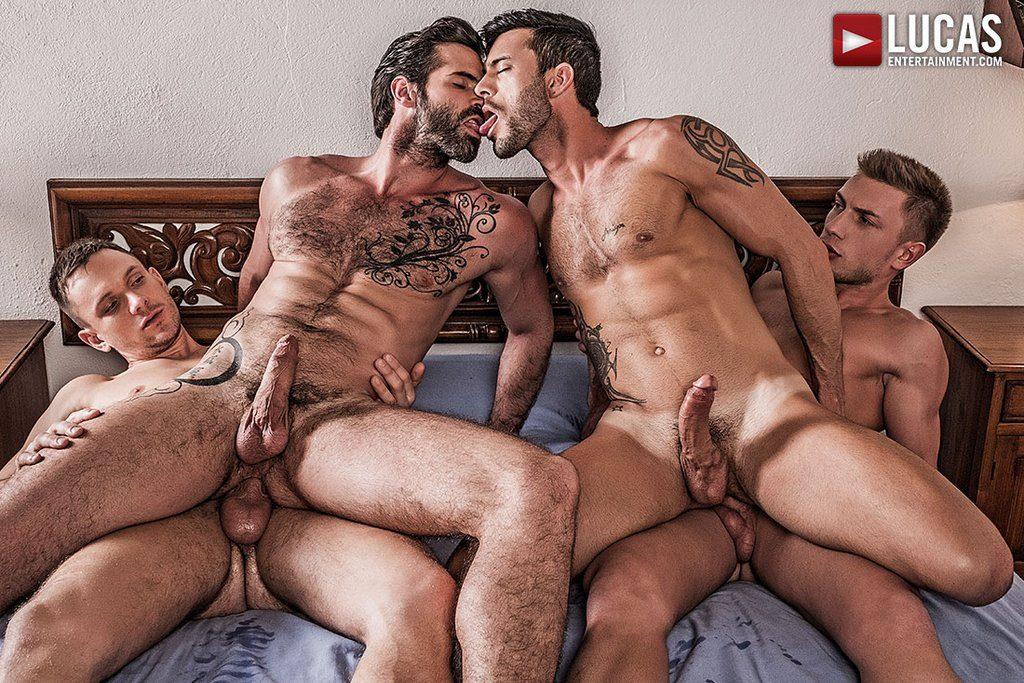 Four Hung Guys Have Bareback Orgy 03