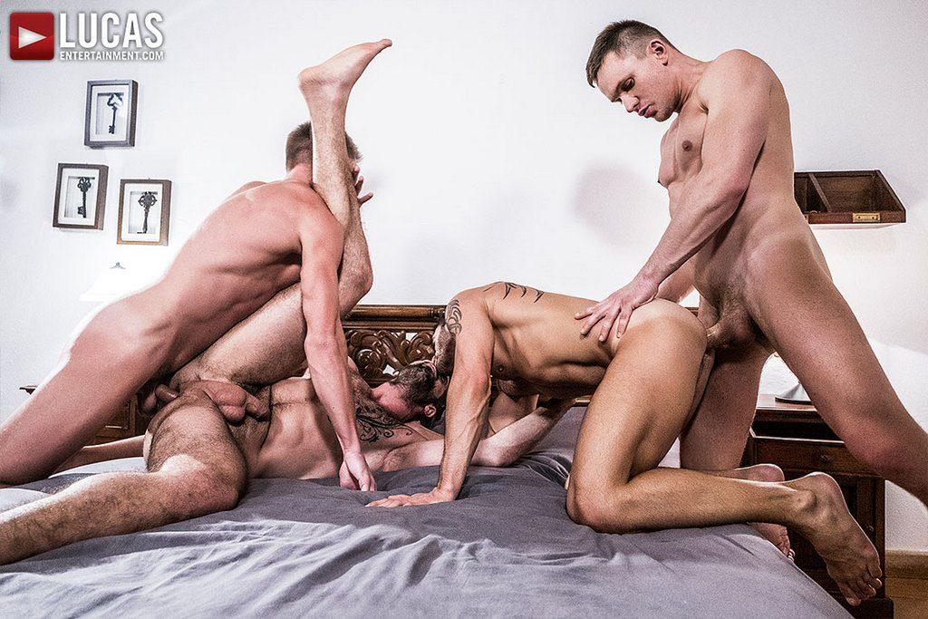 Four Hung Guys Have Bareback Orgy 08