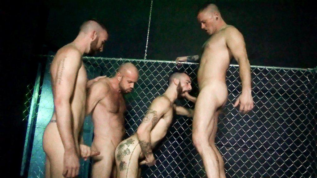 Horny Guards break in New Prisoners 02