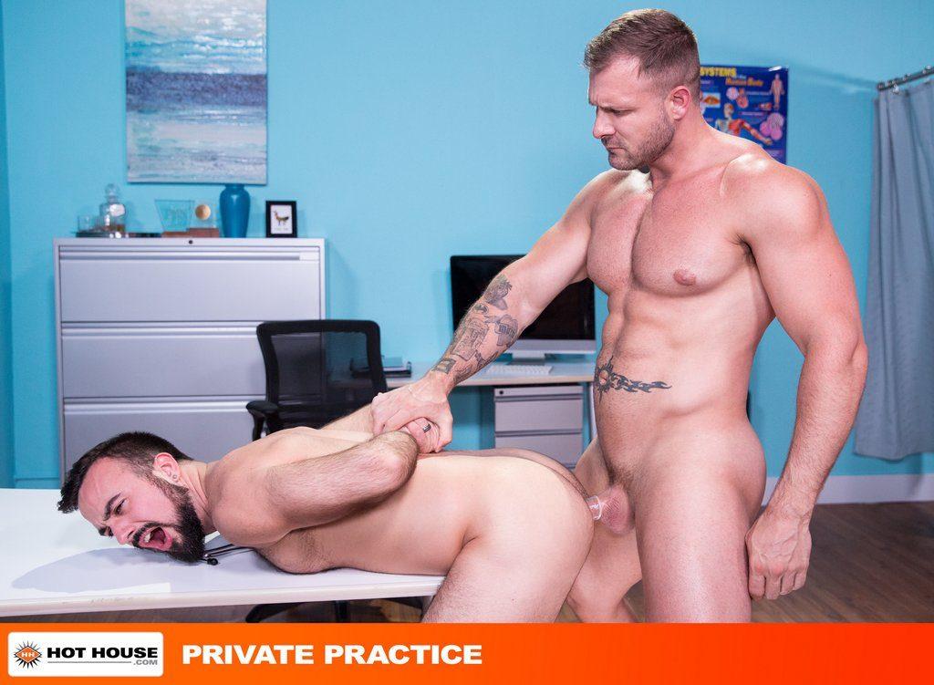 Austin Wolf Pounds Mason Lear Hard 01