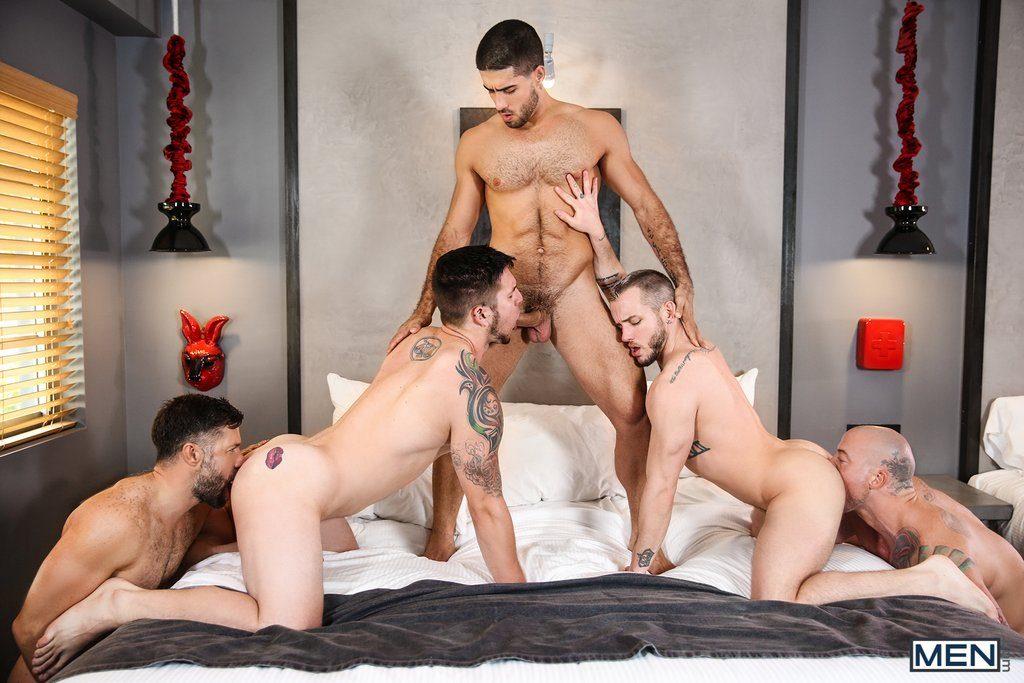 Five Sexy Guys Fuck Hard 04