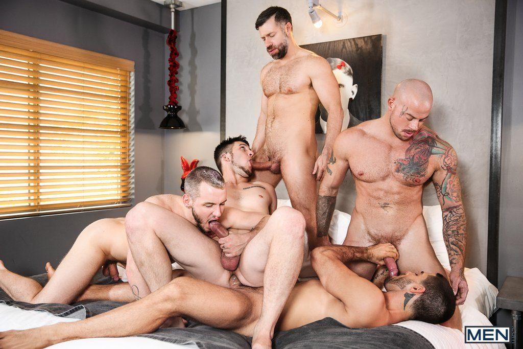 Five Sexy Guys Fuck Hard 07