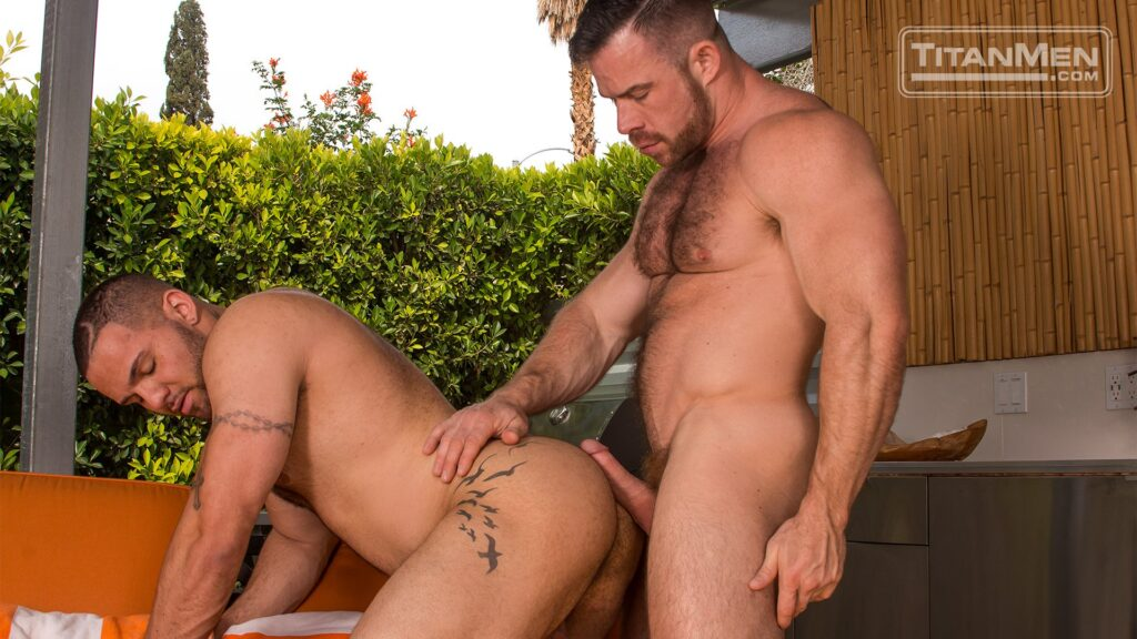 Liam Knox Bangs Julian Knowles 01