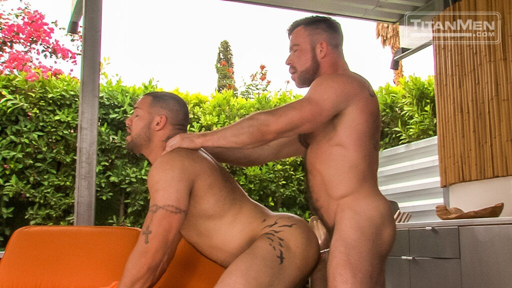 Liam Knox Bangs Julian Knowles 03