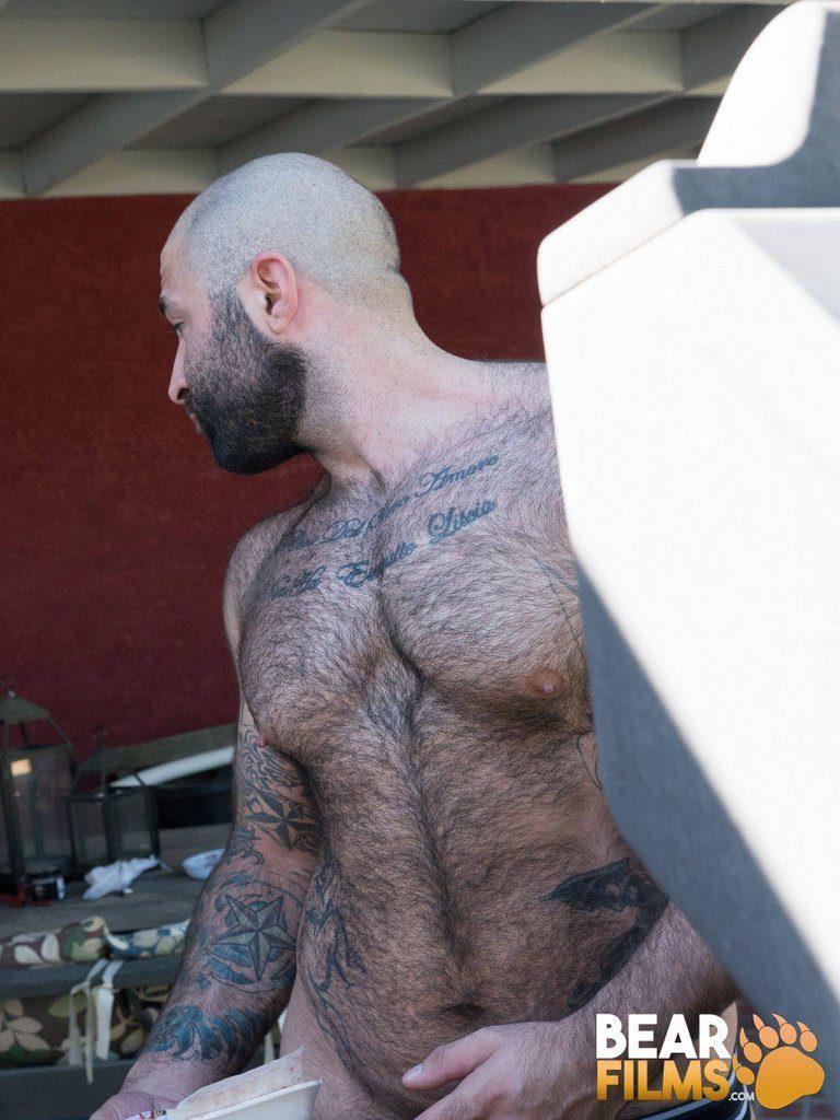 Hairy Bear Atlas Grant Jerks off 06