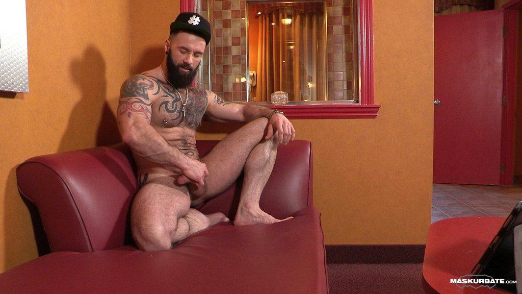 Hairy Hunk Manuel Deboxer Shows off 12