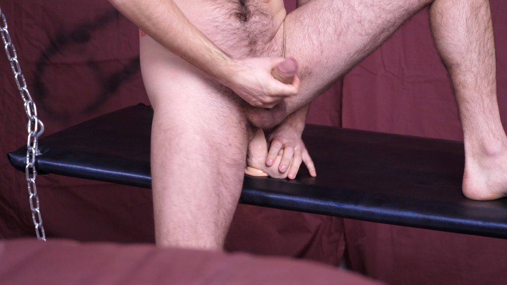 Hairy Guy Ben Fox Shows off 19