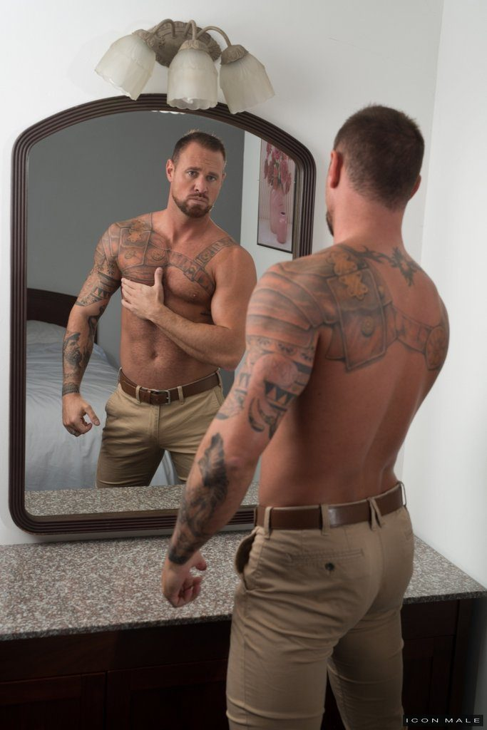 Sexy Daddy Michael Roman Gets Naked 06