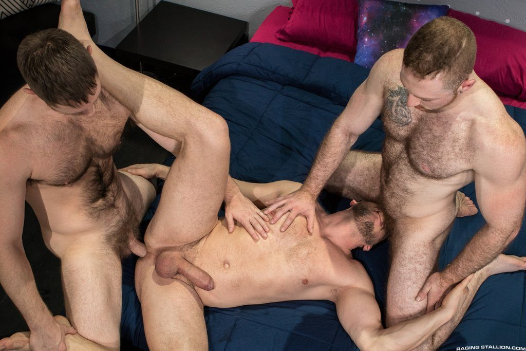 Spencer Whitman Fucks Sean Knight and Hans Berlin 02