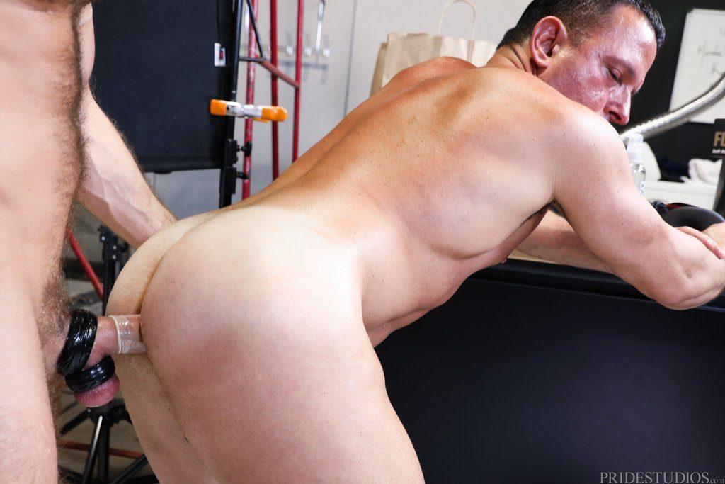 Jack Andy Pounds Tony Lazzari 04
