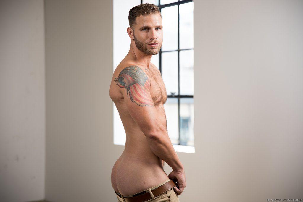 Sexy Guy Taylor Briggs Shows Off 06