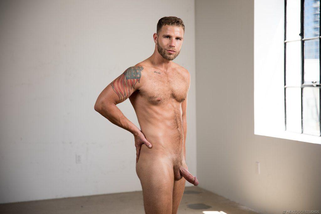 Sexy Guy Taylor Briggs Shows Off 13