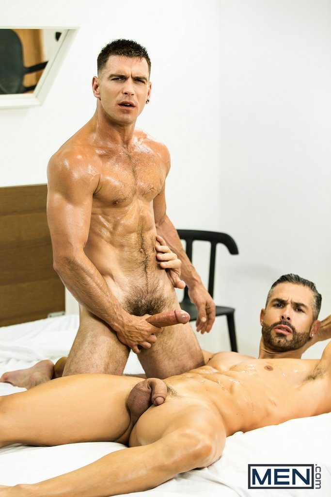 Muscular Bottom Gets Fucked by Paddy 10