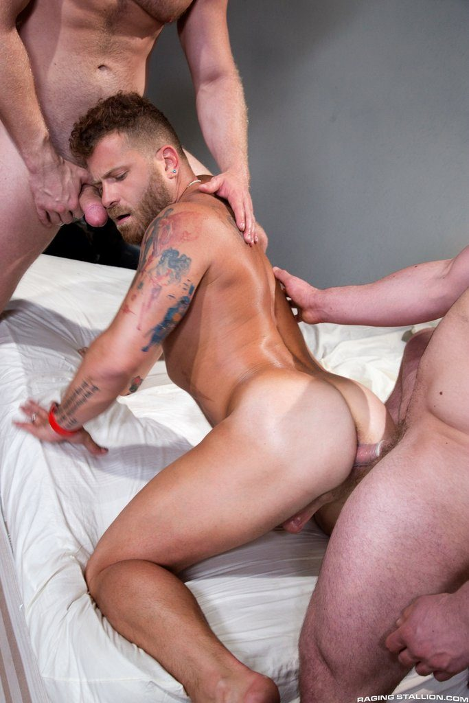 Brian Bonds and Blake Hunter Fuck Riley Mitchell 03