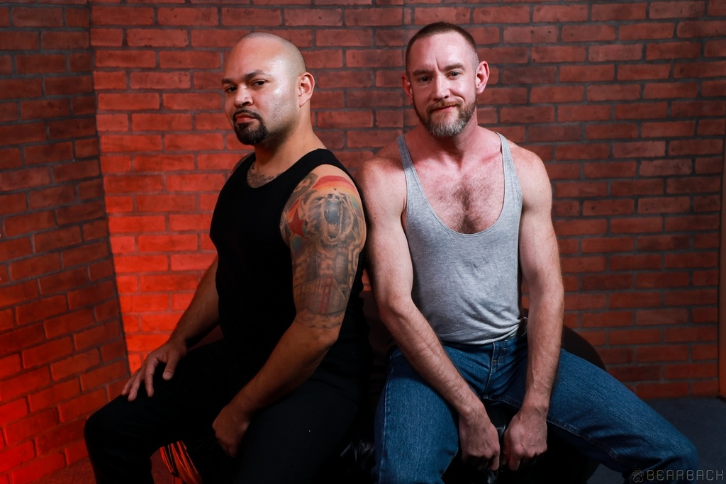 Liam Greer and JD Travis Flip Fuck Raw 01