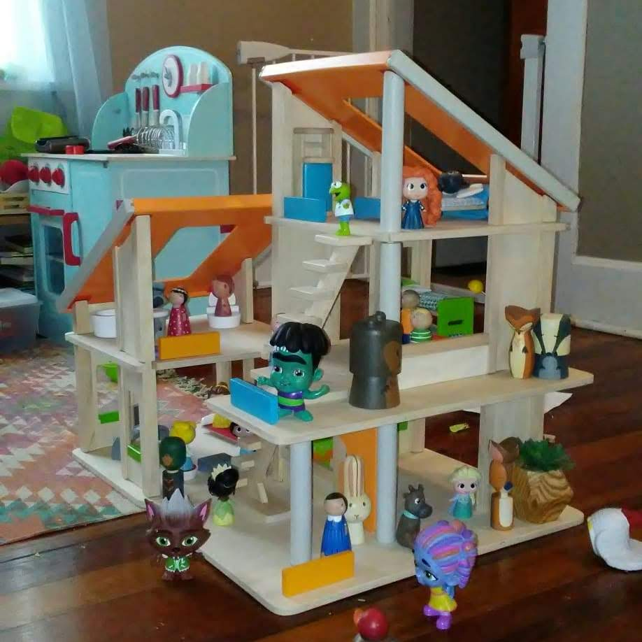 Milli's new dollhouse is full of all sorts of dolls.