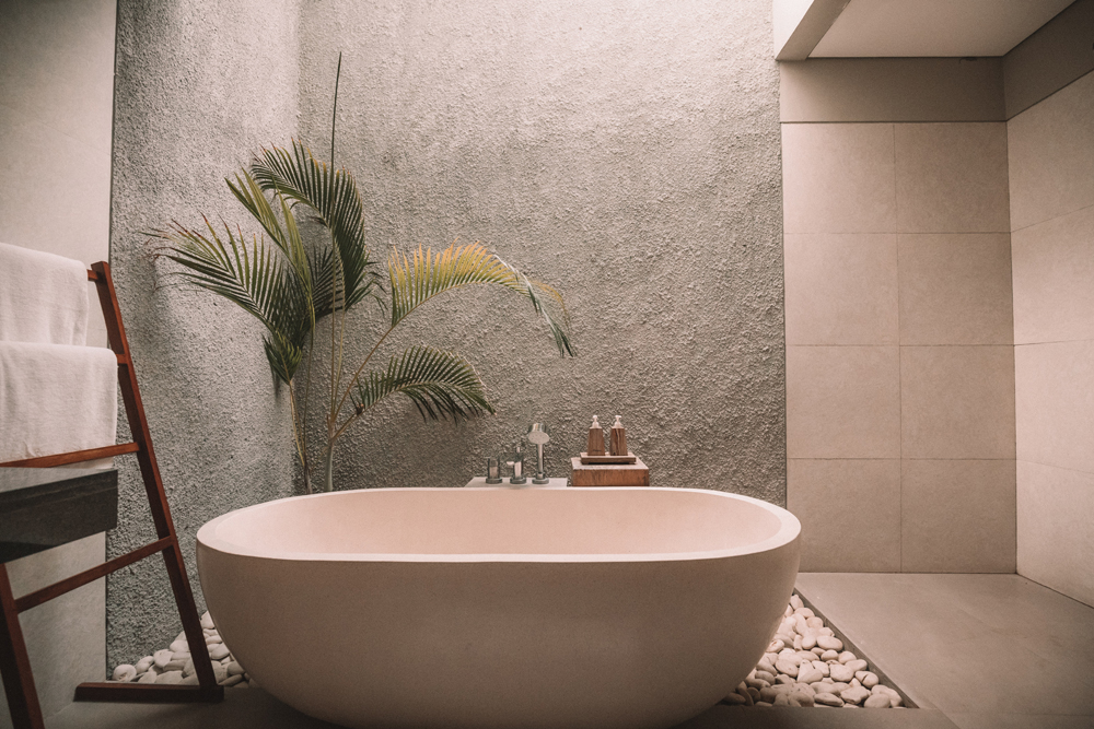 6 Great Bathroom Makeover Tips