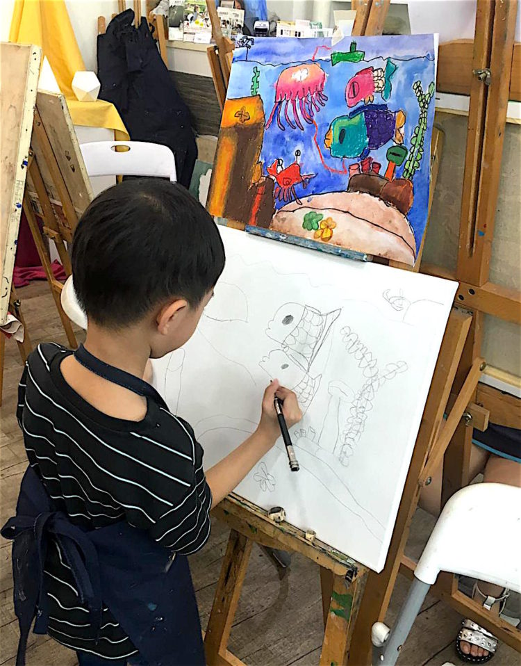 Kids acrylic painting course in Singapore, Creative Kids Art Immersion Course at Visual Arts Centre