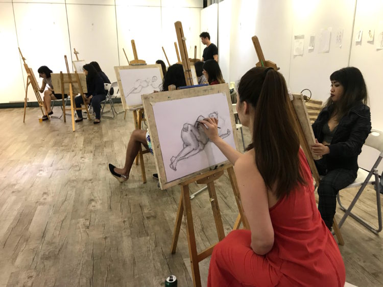 social_distancing_workshop_during_covid-19_nude_life_drawing_singapore_visual_arts_centre