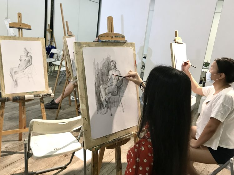 Nude_Life_Drawing_Class_In_Singapore_Visual_Arts_Centre_Learn_the_human_anatomy_and_complete_a_life_drawing_during_this_workshop
