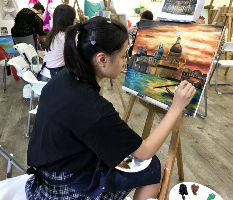 student_studying_landscape_visual_arts_centre