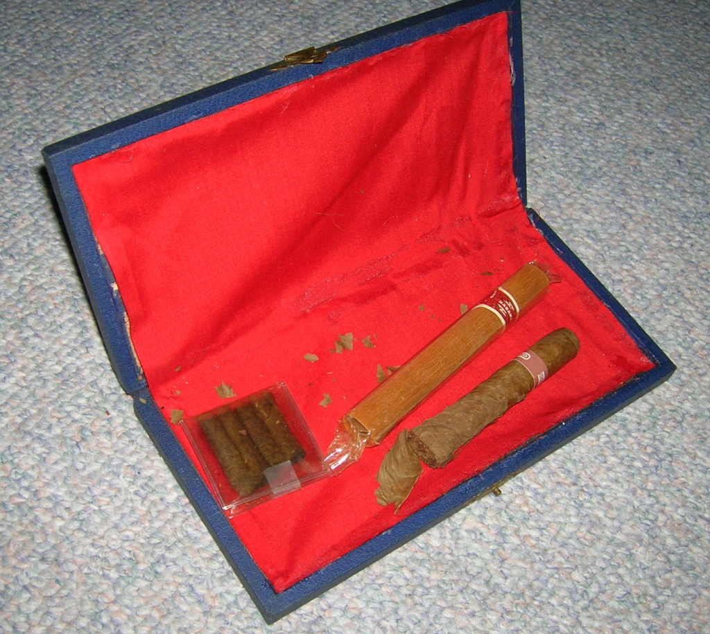cigarcasewcigars