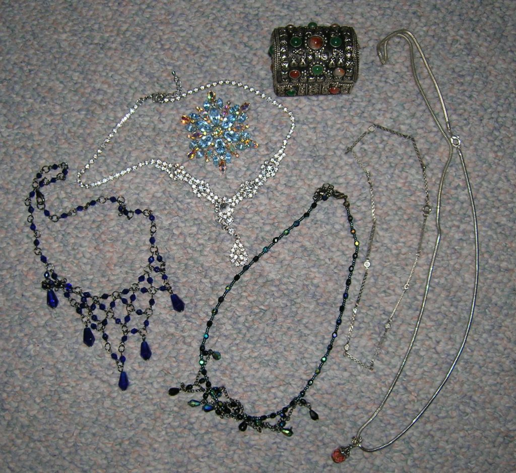 """""""She was left with limited means, but with some very remarkable old Spanish jewellery ..."""" ~ WTB LADY Evidence Box"""
