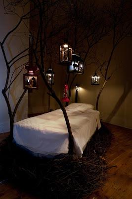 Lantern bed