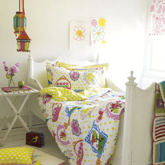 spring decorating - Flirty and Floral