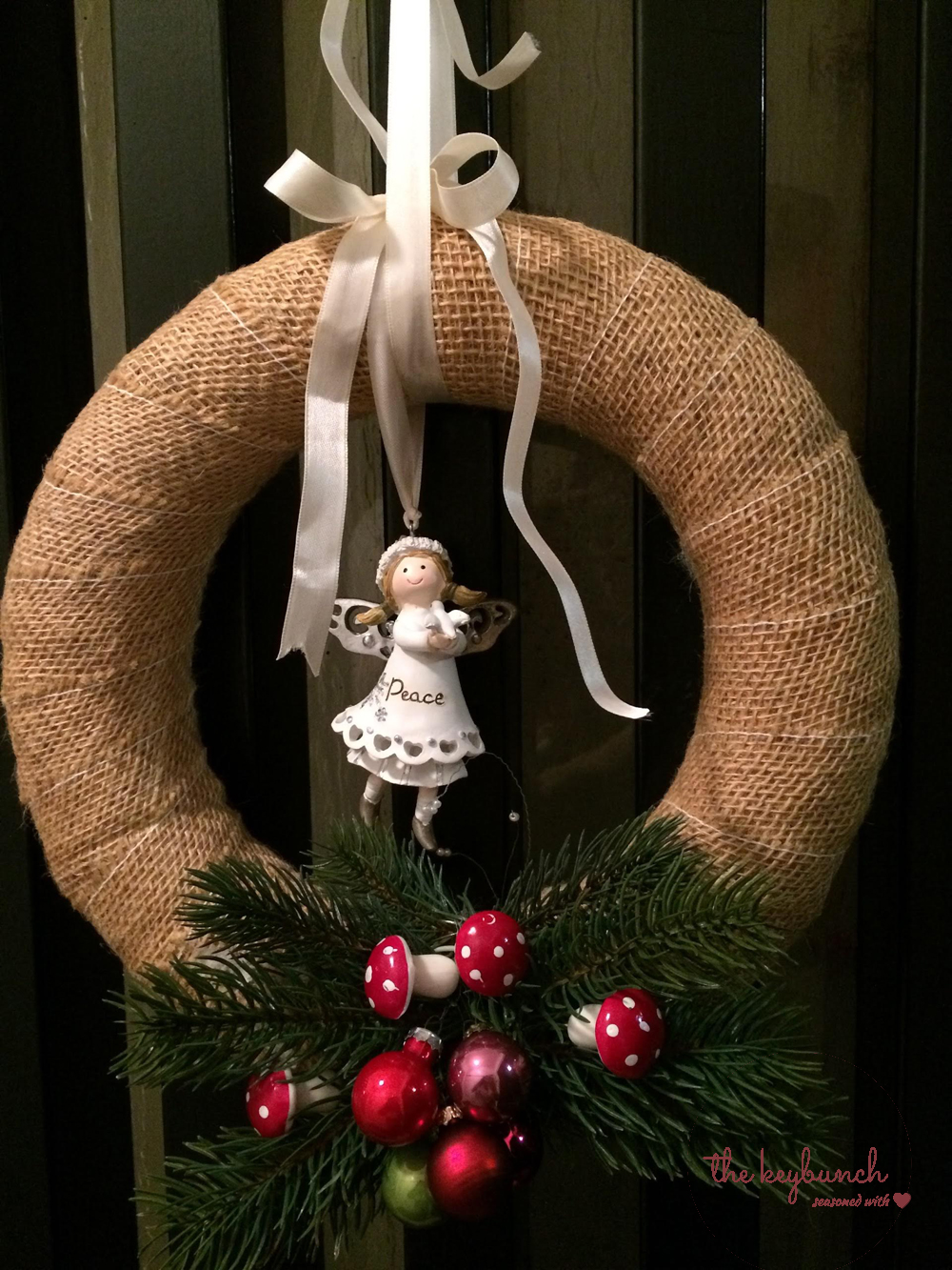 DIY: Burlap Christmas Wreath