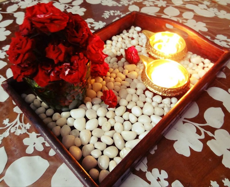 A Christmas tabletop with an Indian twist (from my home)