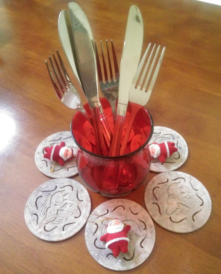 A quick but striking cutlery arrangement at an impromptu Christmas do this year at my home