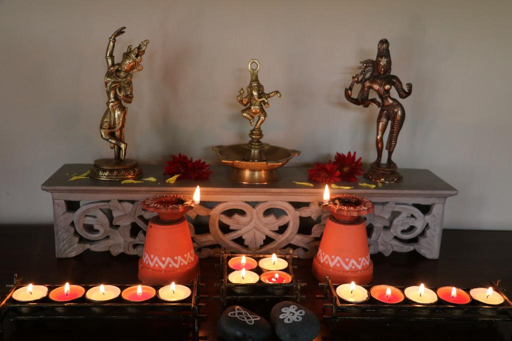 Diwali diyas decoration
