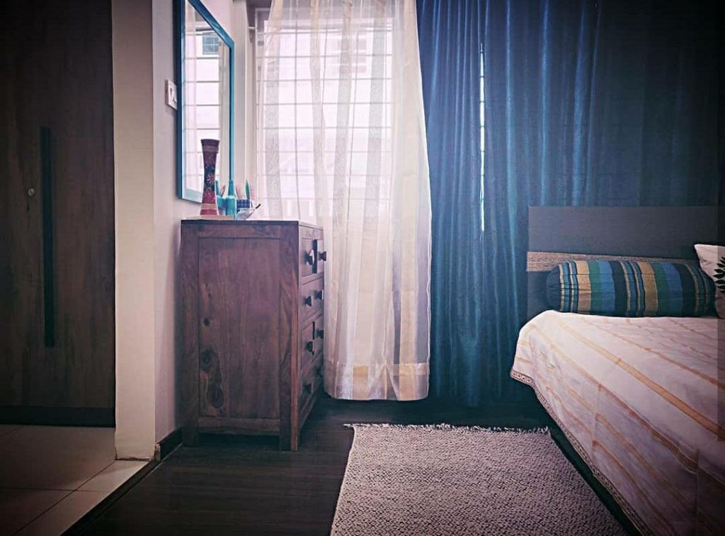 Home style Tour with Rajni in Hyderabad: the dressing cabinet at the bedroom