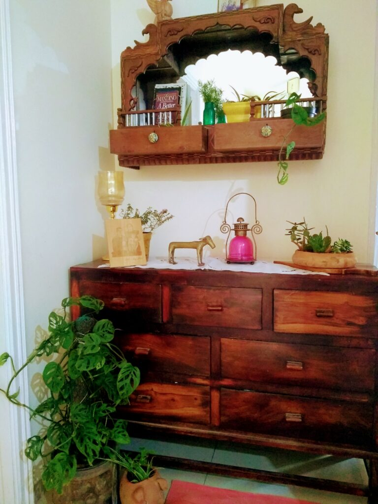 Creative ideas to reuse old pieces around the home |decor goals 2020 for india