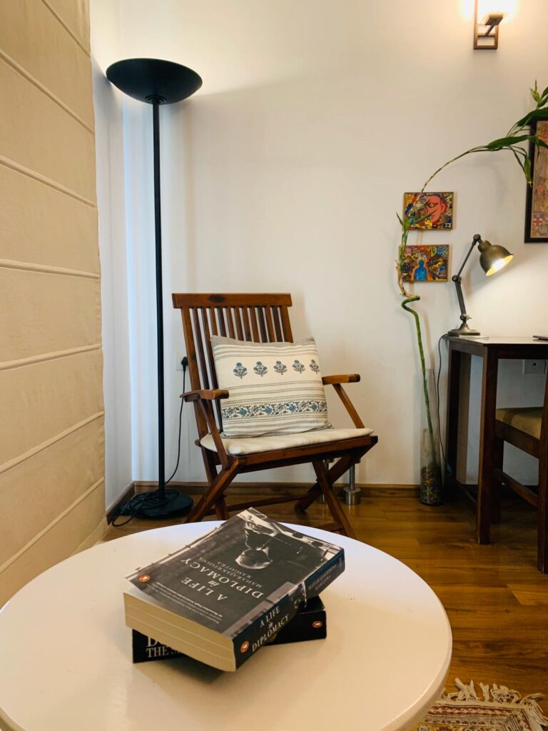 study, corner reading nook, Anuradha Singh home tour, thekeybunch