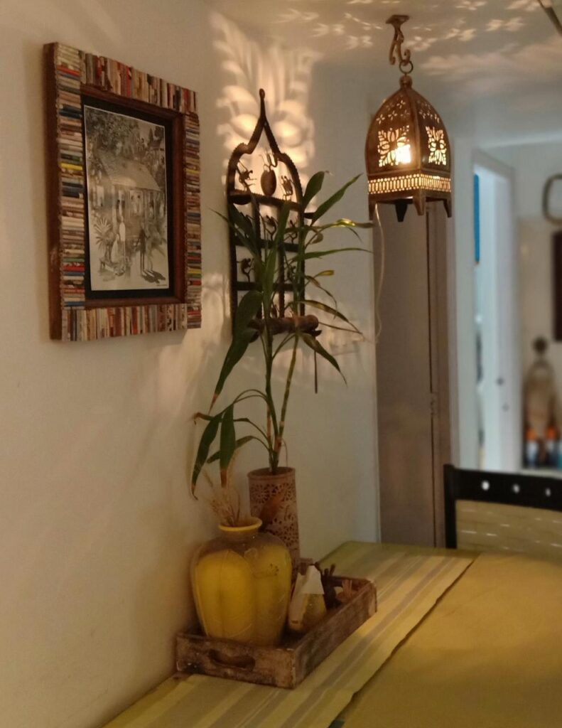 Warm, beautiful lighting lamp at the corners of Leesha's home | Pune home tour | Thekeybunch